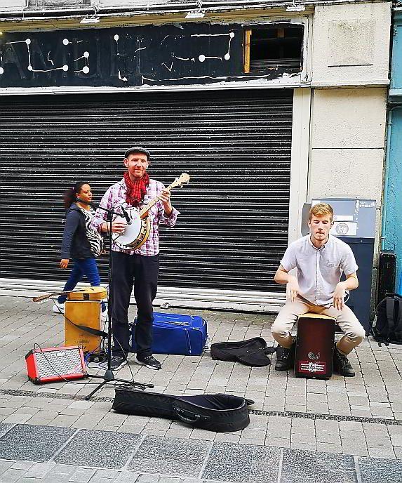 Straßenmusiker Galway Irland